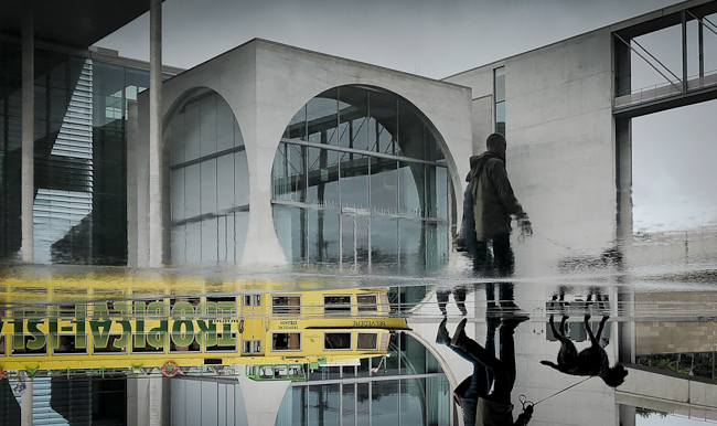 Bibliothek des Deutschen Bundestages -  Führung Bundeshauptstadt Berlin - berlininfo